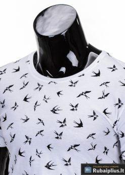 marškinėliai vyrams išmarginti juodos spalvos kregždutėmis, madingi vyriški marškinėliai baltos spalvos, denim kolekcijos vyriški marškinėliai, trumpomis rankovėmis marškinėliai vyrams, klasikiniai vyriški marškinėliai, stilingi marškinėliai vyrams internetu, originalūs vyriški marškinėliai, marškinėliai vyrams spalvos, vyriški marškinėliai su užrašu ir aplikacija, stilingi marškinėliai uz gera kaina, protinga kaina, akcija, nuolaidos rūbams