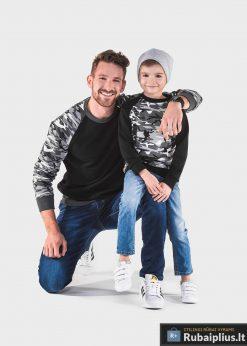 juodas kamufliažiis bliuzonas vaikams, juodai kamufliažinis spalvos vaikiškas bliuzonas internetu, bliuzonas vaikams su gobtuvu, patogus vaikiškas džemperis, bliuzonas užsegamas užtrauktuku su kišenėmis, bliuzonas laisvalaikiui, džemperis užsegamas užtrauktuku, originalūs vaikiški džemperiai, vaikiškas bliuzonas internete, bliuzonas vaikams su gobtuvu, stilingas vaikiškas bliuzonas su kapišonu, elegantiskas bliuzonas vaikams, vaikiškas megztinis internetu, kokybiškas bliuzonas vaikams, madingi vaikiški džemperiai, vaikiškas bliuzonai sportui, bliuzonas vaikams krepšiniui, vaikiškas bliuzonas futbolui, vaikiški džemperiai bliuzonai už protigna kaina, akcija, nuolaidos, bluzonas vaikams internete, mėlynos spalvos vaikiškas bluzonas internetu